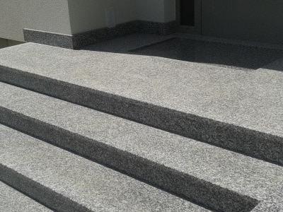 Bezpieczne i trwałe schody granitowe